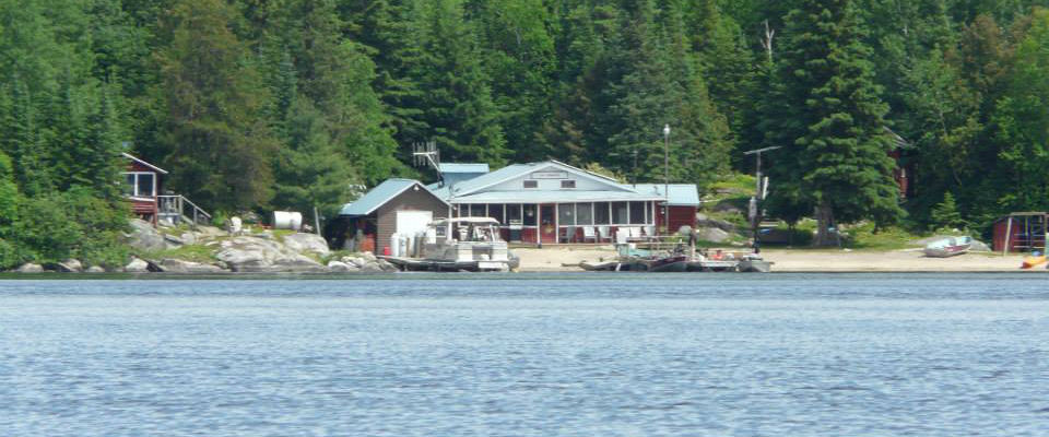 Camp missanabie northern walleye lodge north central for Ontario drive in fishing lodges