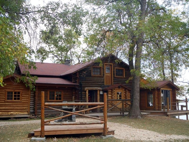 Eagle nest lodge southern manitoba my canada fishing trip for Manitoba fishing lodges