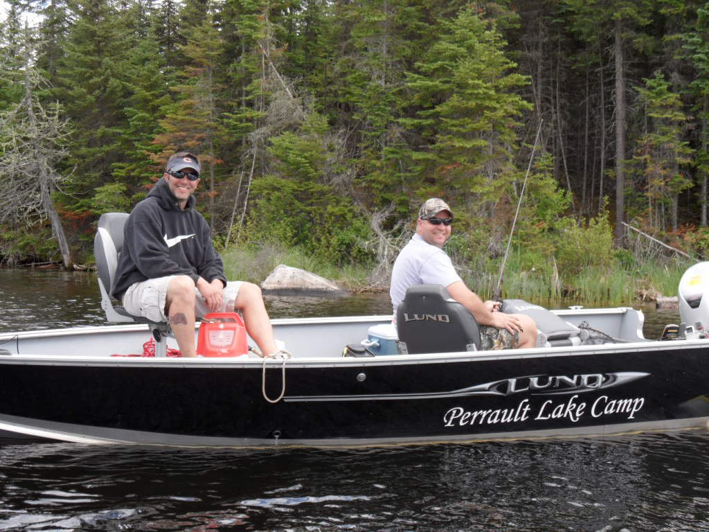Perrault lake camp northwest ontario my canada fishing for Fish camping boat